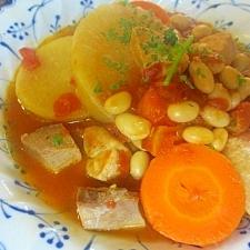 厚切り大根と大豆のトマトスープ