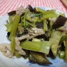 夏レシピ♪豚こまとナスと小松菜の大葉味噌いため