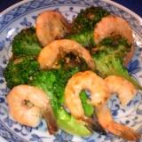 アンチョビで美味しい♡えびとブロッコリーの炒め物♡