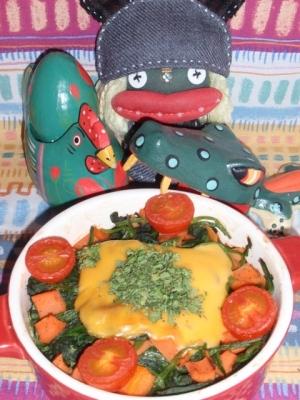 ほうれん草とトマトのチーズ焼き