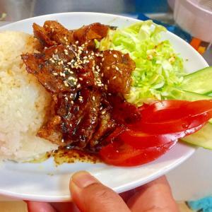★今日の定食- 「Bランチ: 豚バラ炒め」