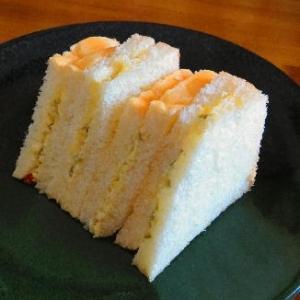 ピクルスだけのサンドイッチ