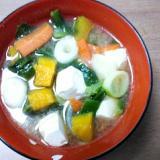 オリーブオイル入り豆腐と小松菜と南瓜の味噌汁