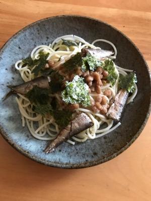 オイルサーディンと海苔の納豆パスタ