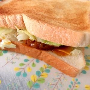 ハンバーグチーズサンドイッチ☆彡