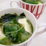 簡単ヘルシー味噌汁!(^^)ワカメ+豆苗+豆腐♪