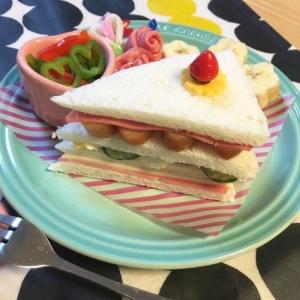簡単☆キャラ弁☆食パンでなんちゃってショートケーキ