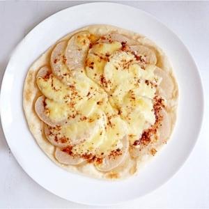 梨&シナモンのデザートピザ