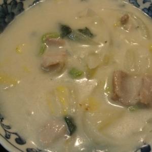 白菜、青梗菜、豚バラのシチュー