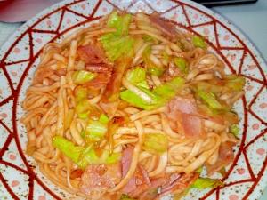 もっちり食感☆ 乾麺うどんでつくるナポリタン