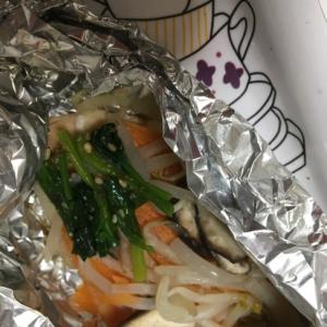 もやしと椎茸とほうれん草の鮭のホイル焼き☆