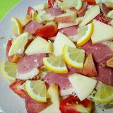 合鴨とリンゴレモンキャベツのサラダ