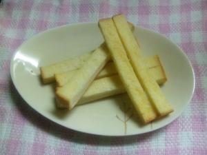 オーブンで簡単☆食パンラスク