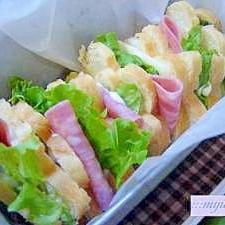 花形食パンで可愛いお出かけサンドウイッチ♪
