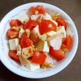 豆腐とトマトとサラダチキンのサラダ