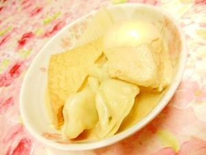 豆乳鍋の素de❤厚揚げと豆腐と白蒟蒻と卵と水餃子❤