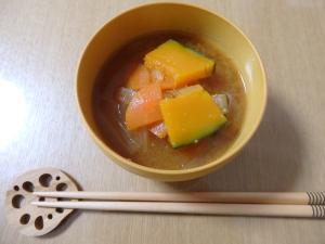 かぼちゃ・人参・大根・玉ねぎ具沢山味噌汁