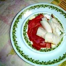 ウォッカのつまみ ウクライナのサーロ(豚脂塩漬)