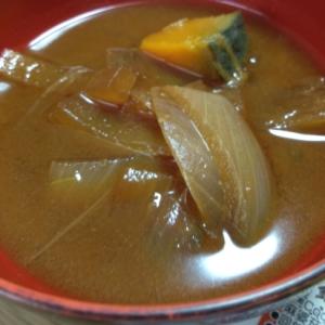 玉ねぎとかぼちゃのお味噌汁