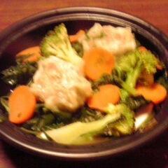 大振り焼売と緑黄色野菜の蒸し物