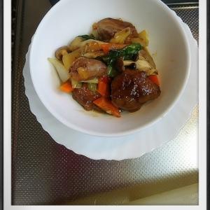 鶏レバーとハツの野菜炒め煮