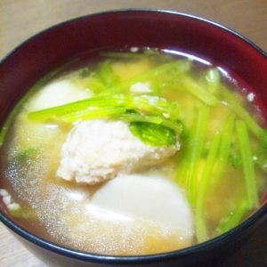 里芋とつくねのお味噌汁