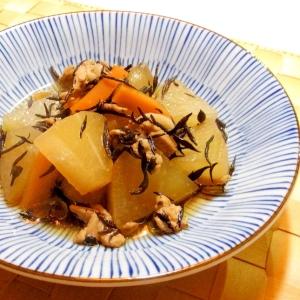 豚肉とひじき入り大根の煮物