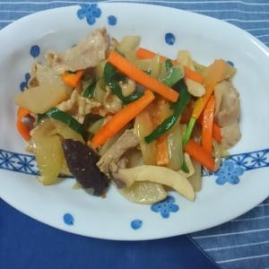 大根がジュワッと美味しい♪豚バラの野菜炒め