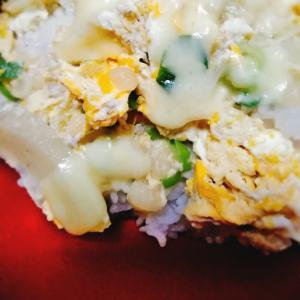 チーズ玉子丼