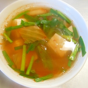 豆腐とニラのキムチスープ