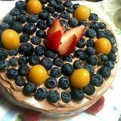 ベジタリアンのショコラフルーツデコレーションケーキ