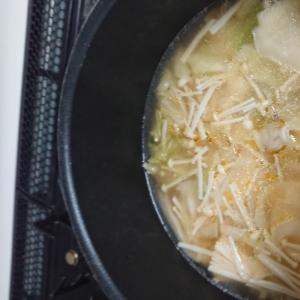 キャベツえのきのワンタンスープ