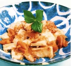 和歌山県の郷土料理【うどのおかか梅和え】