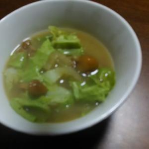 なめこ入り☆白菜と大根のお味噌汁