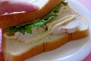 爽やかな美味しさ*鶏ハムと青しそのサンドウィッチ*