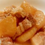 ご飯のお供(^o^)豚バラと大根の煮物