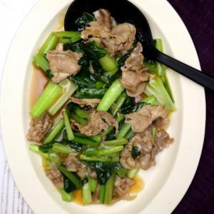 豚肉と青菜のラー油炒め。