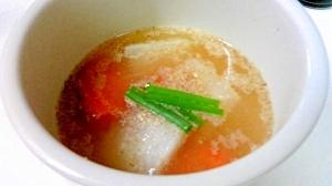 香ばしい香りの、根菜とすりごまのみそ汁
