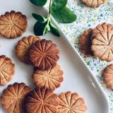 米粉で作る*シックなFlower Cookie*
