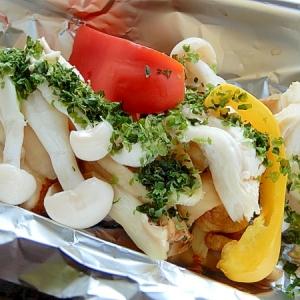 新巻鮭とキノコのホイル包み焼き♪(塩胡椒なし)