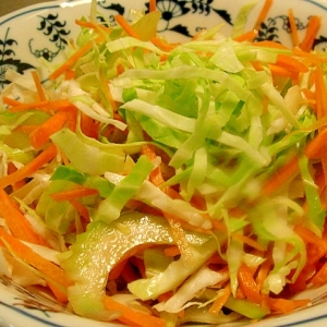 千切り野菜の和風サラダ