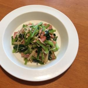 小松菜とベーコンの和風バター炒め