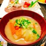 白菜と人参のお味噌汁☆