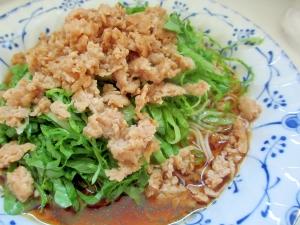 鶏そぼろとレタスの素麺