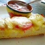 鶏ハムとトマトのマヨチーズトースト