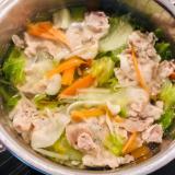 白だしと醤油だけで鍋の素いらず☆野菜が美味しい鍋