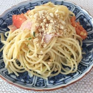 カシューナッツとトマトのパスタ