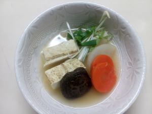 タラバガニのからで出汁を取った味噌汁
