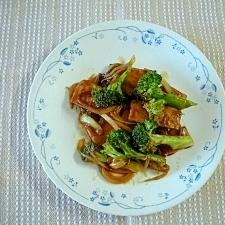 お弁当用さつま揚げとブロッコリーのカレーウスター煮