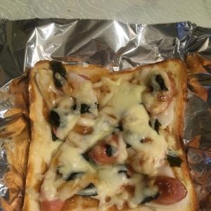 和風餅ピザ〜簡単にんにくバター醤油味〜